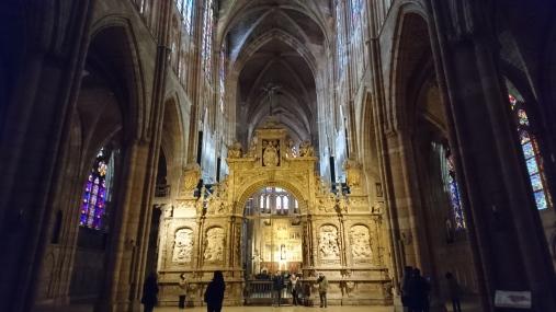 Nave central de la catedral de León